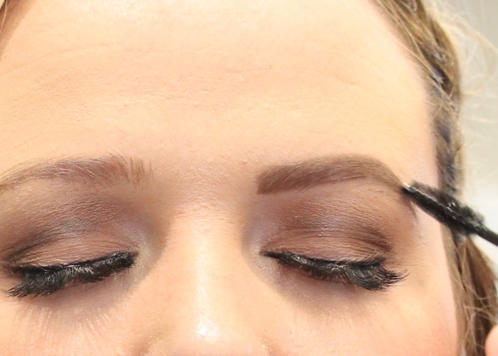 The Perfect Eyebrows with Jacklyn Thurston